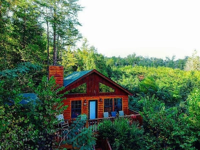 ⛰ Secluded Cute Smoky Mountain Cabin GSMNP! Gburg Pigeon Forge. Hot Tub, Hiking