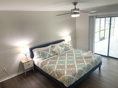 Waterfront Alexa Control Home *Minutes to Downtown*Mini golf * Beach accessories