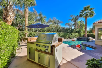 Enjoy freshly cooked BBQ by the pool