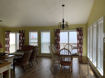 Living/Dining rooms beach view