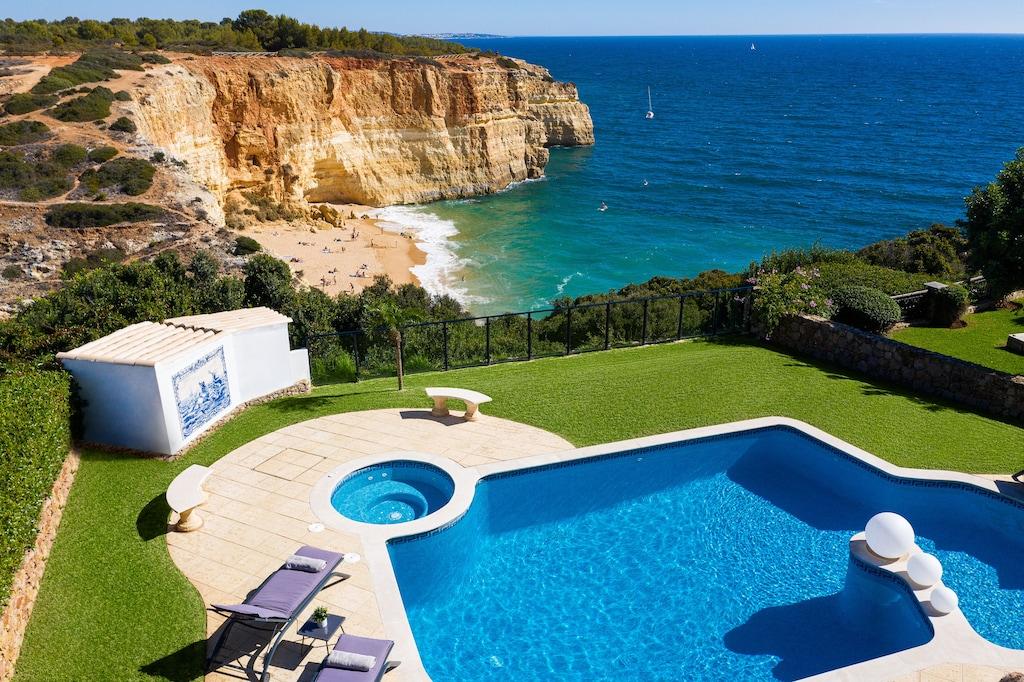 Cliff-top pool and garden overlooking Benagil beach