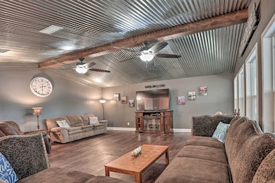 Ferriday Vacation Rental   3BR   2BA   1,800 Sq Ft   Free WiFi   Stairs Required