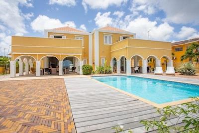 Steenrijk, Willemstad, Curacao