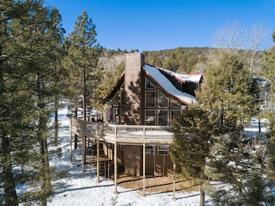 Luxurious chalet nestled in the mountains of Angel Fire, NM