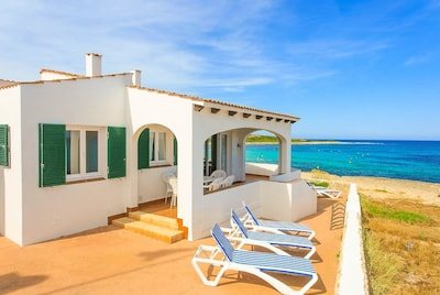 Beautiful Villa with Terrace and Sea views