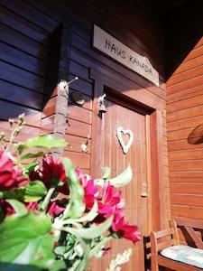 Foto der Eingangstüre von Haus Kanada