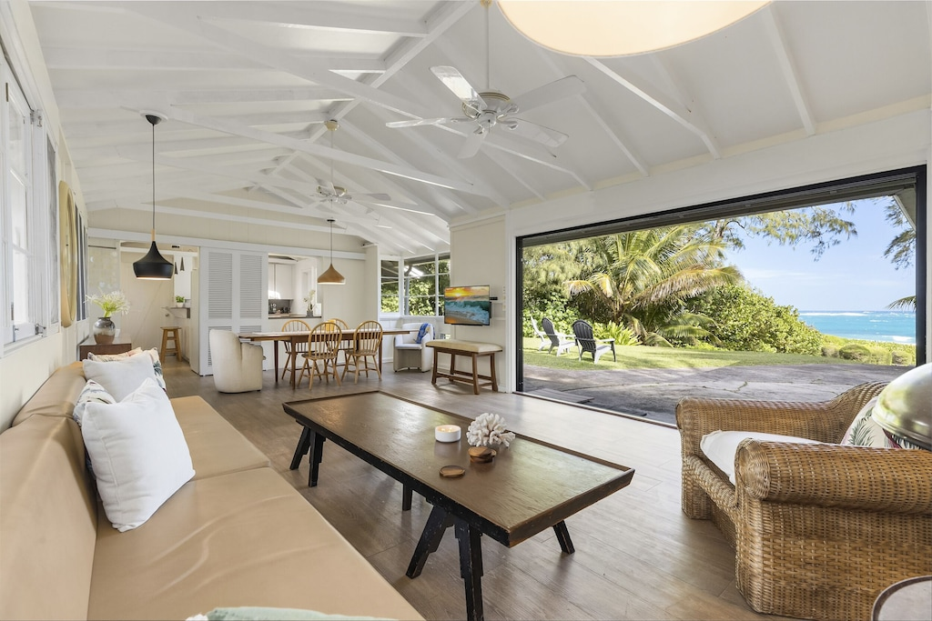 Sliding doors open completely to allow you to enjoy the island breezes