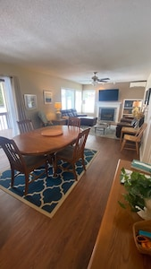 Large family/dinning area