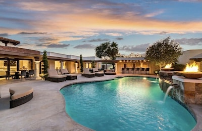 Pool with BBQ/Recliners/Misters/&More!