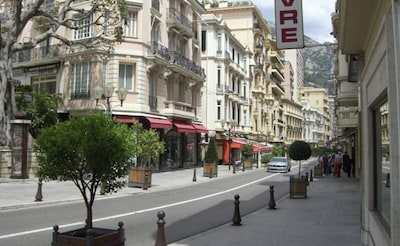 Les Moulins, Monaco, Monaco