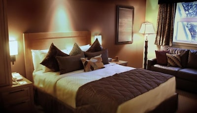 Bedroom with a comfy King size bed for the most pleasant nights!