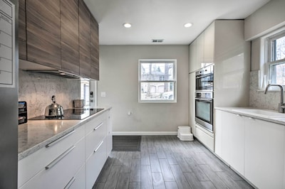 Kitchen | Main Floor | Fully Equipped