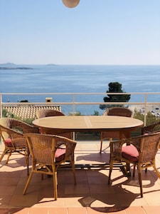terrasse et sa vue mer panoramique