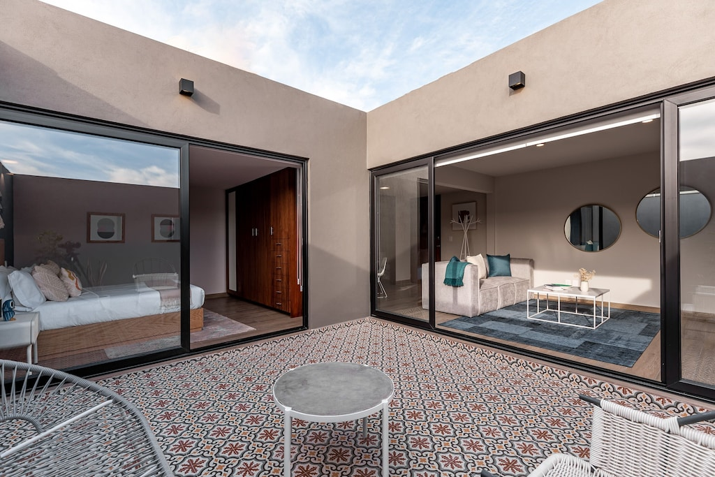 VRBO Mexico City: Modern apartment with tiled floor
