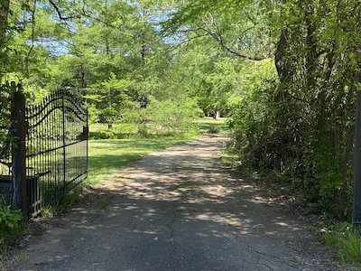 Entrance: Secluded location great for relaxing