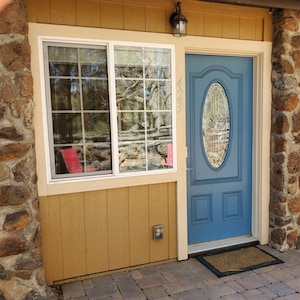 Front entry with keypad
