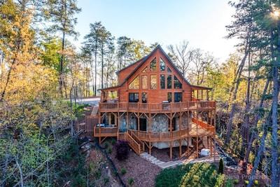 The Bears Castle- Luxury log home in Lake Lure, North Carolina