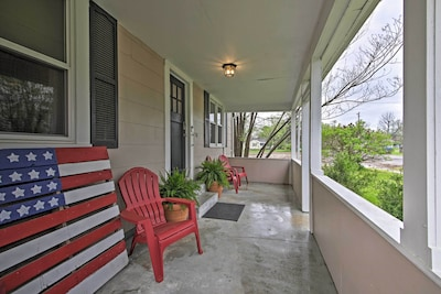 House Exterior | Front Porch | Keyless Entry
