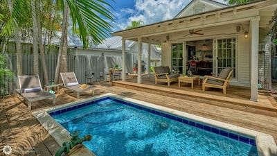 CARSTEN CONCH COTTAGE is waiting for you...