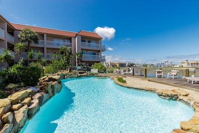 Large sparkling pool for your enjoyment