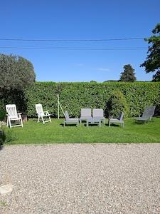 Roussas, Drome (département), France