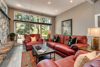 Living area - leads to a private deck with hot tub, BBQ, stream