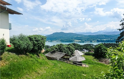 Seltenheim Castle, Klagenfurt am Woerthersee, Carinthia, Austria