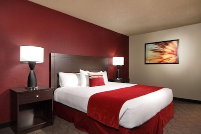 Comfortable King size bed!