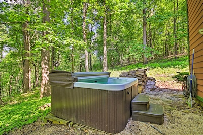 Private Hot Tub | Wooded Location