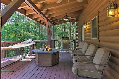 Private Deck   Gas Grill   10 Steps Required to Access
