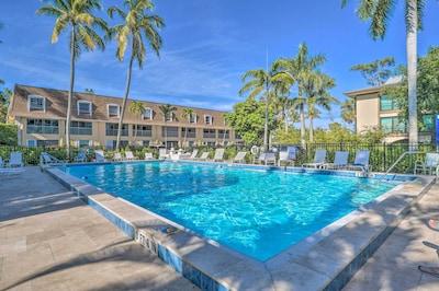 Naples Mariner Community Pool | 1 Block to Naples Beach