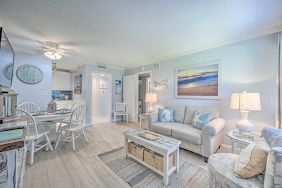 Naples Vacation Rental | 2BR | 2BA | 662 Sq Ft | Ground Floor | 1-Step Entry