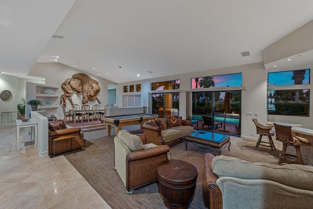 Buffalo House great room
