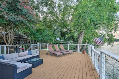 Rooftop Deck   Guadalupe River Views
