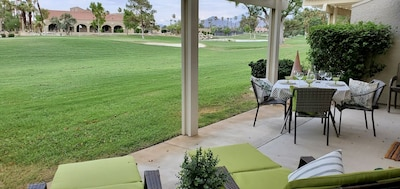 Clubhouse and18th green to enjoy with a glass of wine or your favorite beverage