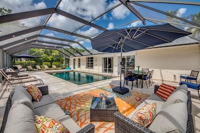 Huge pool! Lots of outdoor seating