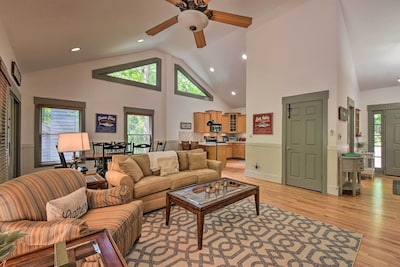 Jasper Vacation Rental   3BR   3.5BA   3,200 Sq Ft   Stairs Required to Enter