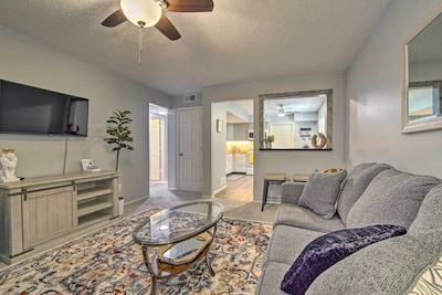 Smithville Vacation Rental | 2BR | 1BA | 950 Sq Ft | Stairs Required