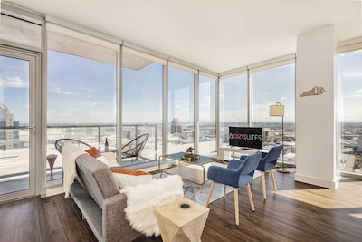 Absolutely gorgeous penthouse with corner views and balcony!