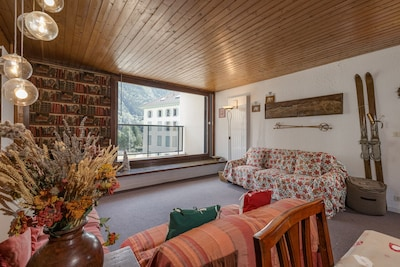 Large flat in the center of Chamonix